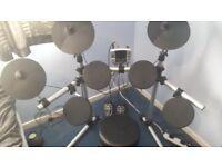 Electronic Drum Kit DD400, Stool, Headphones, 2 pair sticks & Amp 20w