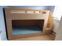 Play/bunk beds
