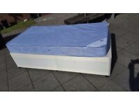 Brand New Single Divan base & New Mattress never been used can delivery local only