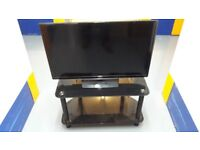 Samsung 31.5 inch TV in Black with stand