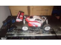 RC FTX FRENZY NITRO 1;8 SCALE, THIS IS A FAST BUGGY HAS ALL RADIO GEAR, VERY CLEAN, RUNS VERY WELL