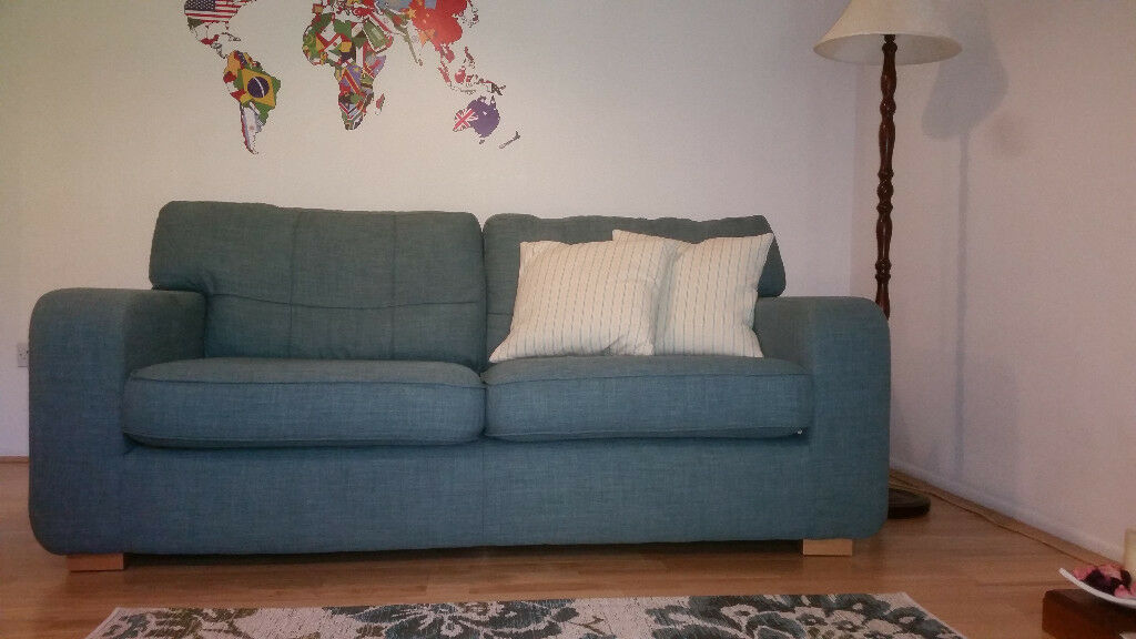 2 DFS 3&2 SEAT SOFA & FOOT CHAIR