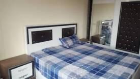Kingsize bed with matress