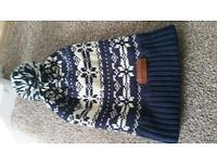 Superdry bobble hat - never used