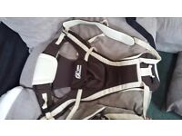 Brown/beige baby carrier
