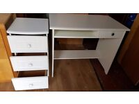 White Computer Desk with Matching Drawer ( GONE PENDING COLLECTION )