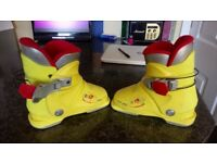Ski boots size 12/13 kids