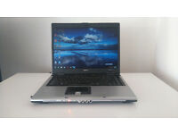 Acer Travelmate 5510 15'' Athlon 64 X2 TL-56 1800mhz 2048MB Ram 120GB hdd Windows 7