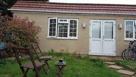 Beautiful Spacious One Bedroom Bungalow Flat (detached from the main house) ALL BILLS INCLUDED