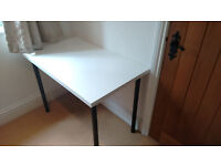 [USED] IKEA Desk - White with black legs - 100x60x74cm (LxWxH)