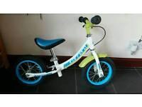 Boys balance bike (Halfords) - great condition