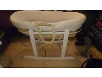 Moses basket with matteress and stand