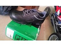 Mens size 12 safety footwear trainers