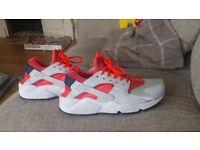 Ladies Nike Huraches Size 5 1/2