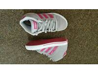Lovely very good condition ADIDAS size 1/33