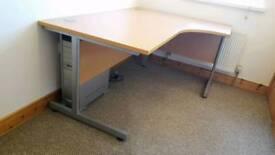Office desks - Left & right hand corner available