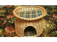 WICKER 2 TIER BED FOR SMALL CAT OR KITTEN WITH REVERSIBLE SEAT PADS