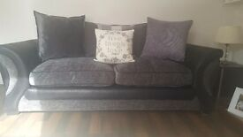 Perfect condition 4 and 2 seater sofa. Smoke free home.
