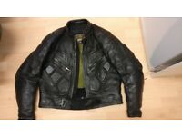 Size Large Black Leather Motorcycle Jacket with protection, Racing style Very good condition