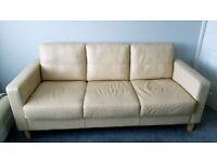 Sofas/Armchairs/Suites