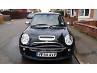 Mini cooper S. 220bhp.service history. Leather interior. Full S/S exhaust. Excellent condition.