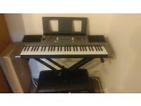 Yamaha Keyboard Set.