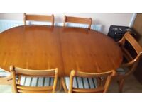Reproduction Extendable Antique Mahogany Dining Table plus 6 Chairs