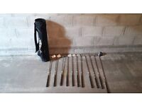 SET OF GOLF CLUBS WITH BAG (£50 ONO IDEAL STARTER SET)