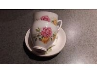 2x china tea cups and saucers