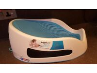Excellent condition baby bath suport by angelcare.