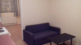 Uxbridge Ickenham 1 Bedroom Flat en-suit Bathroom 1st Floor £975 pcm inclusive ( No Agents Please)