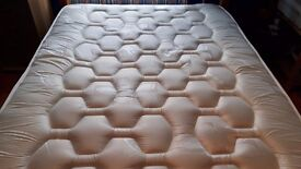 4'6 DOUBLE MATTRESS 2000 POCKET QUILTED MEMORY FOAM
