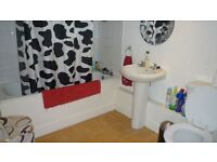 A WHOLE HOUSE FOR RENT IN BARKING **