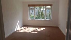 cumbernauld abronhill , ash rd , spacious 2 bed flat for rent dhss welcome