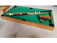 Table top pool table