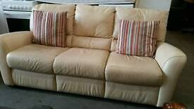 Cream leather 3 seater sofa in excellent condition