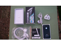 iPhone 4 - UNLOCKED - with lots of accessories - Excellent working condition
