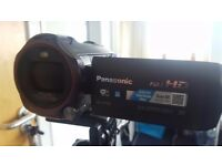 Panasonic HC-V750 + 64GB SD Card + Tripod + Boom Mic