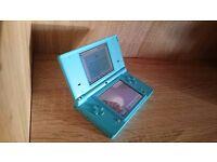 nintendo dsi in blue comes in original box with 5 games grade A+