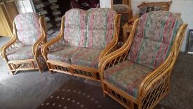 Lovely cane conservatory suite Good condition REDUCED £60 CHEAP local DELIVERY Stalybridge SK15 2PT