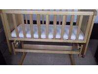 Mothercare Deluxe Gliding Crib+Organic Mattress