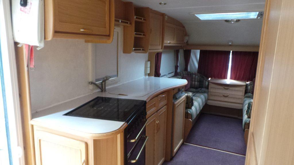 compass aztec 620 5 berth twin axle caravan in edgbaston. Black Bedroom Furniture Sets. Home Design Ideas