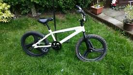 Bmx bike mag wheels rear stunt pegs great tyres in good order can deliver