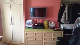 2 Double/Twin rooms in same house. Acton Central, 1 min to High Street. All Bills inclusive