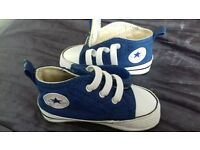 NAVY BABY CONVERSE TRAINERS SIZE 2