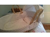 Claire de lune moses basket/crib basinette with covers