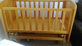Obaby Winnie the Pooh gliding crib and mattress