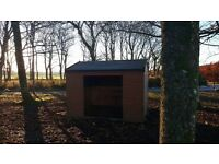 Mobile horse field shelter 12'x10'.