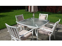 White metal Garden Dining Table & 4 Chairs