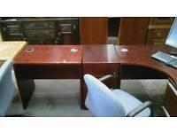 Wooden corner computer desk with lockable draw